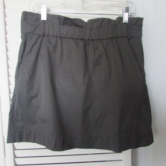 Banana Republic Dresses & Skirts - Banana Republic granite charcoal skirt petite 10